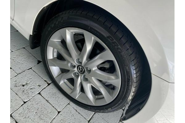 2016 Mazda 3 SP25 Hatchback Image 5