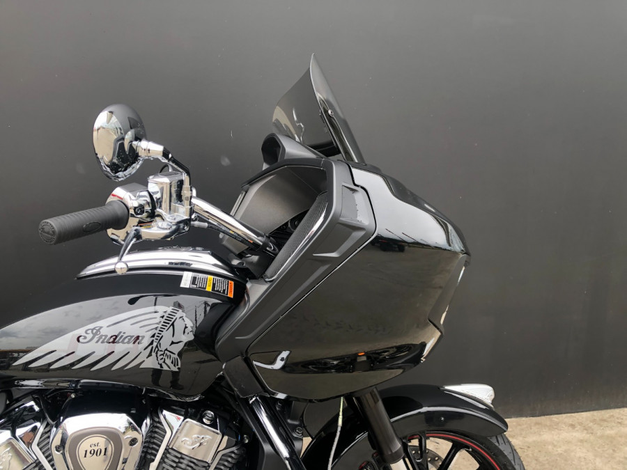 2020 Indian Challenger Limited Motorcycle Image 4