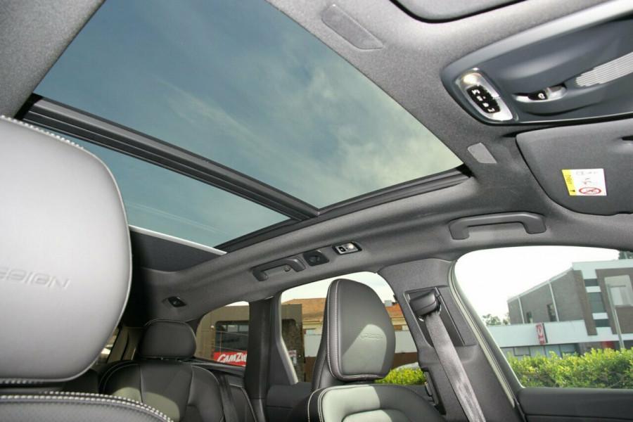 2018 Volvo XC60 UZ T6 R-Design (AWD) Suv Mobile Image 14