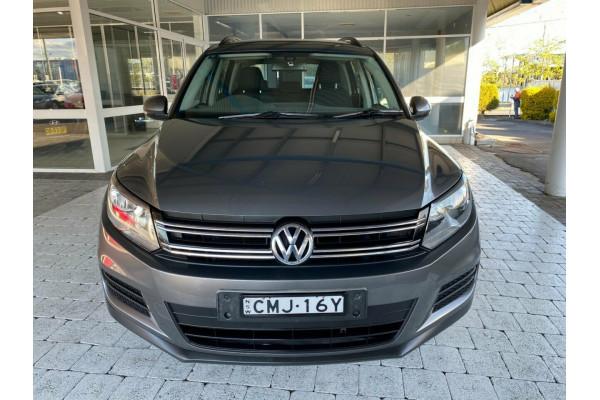 2013 MY13.5 Volkswagen Tiguan 5N  118TSI Wagon Man 6sp 2WD 118TSI Suv Image 3