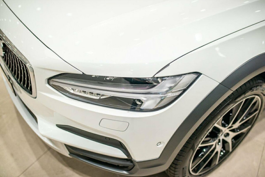 2019 Volvo V90 Cross Country D5 Wagon Image 11