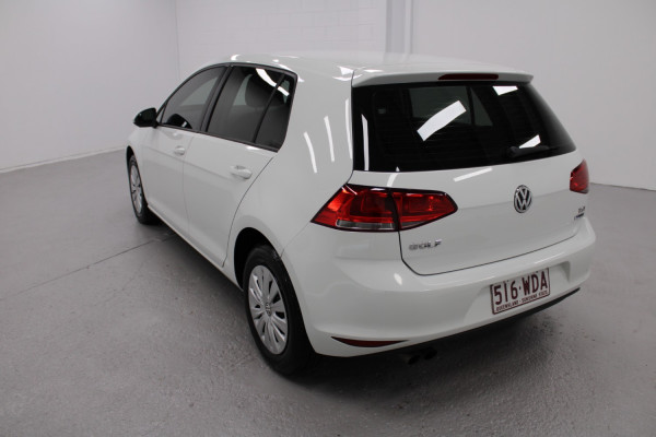 2015 Volkswagen Golf VII  90TSI Hatchback Image 3