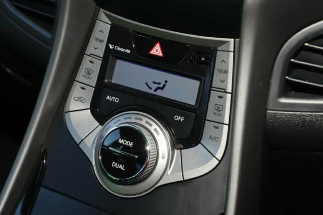 2013 Hyundai Elantra MD2 Elite Sedan Image 16