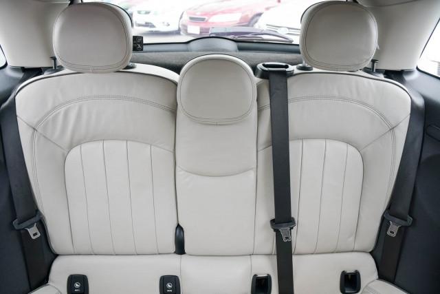 2015 MINI Hatch F55 Cooper S Hatchback Image 26