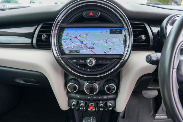 2015 MINI Hatch F55 Cooper S Hatchback Image 30