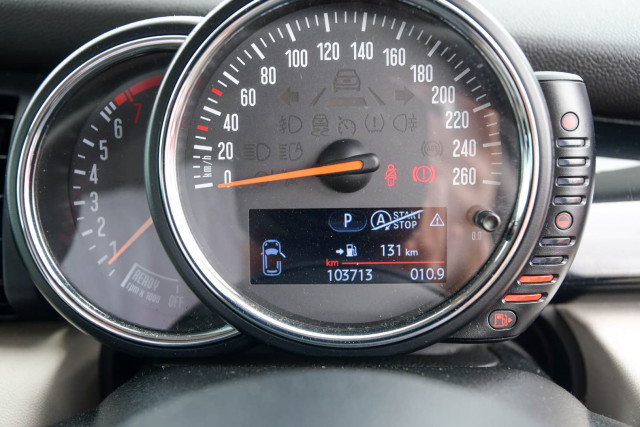 2015 MINI Hatch F55 Cooper S Hatchback Image 44