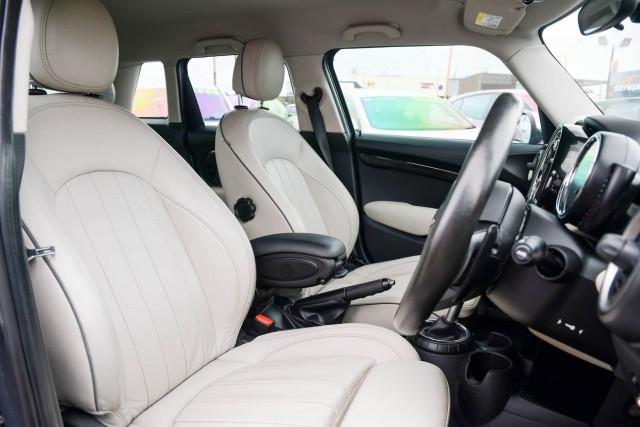 2015 MINI Hatch F55 Cooper S Hatchback Image 25