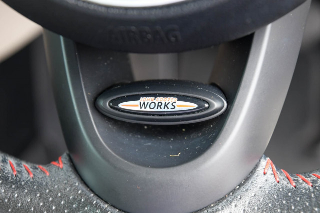 2015 MINI Hatch F55 Cooper S Hatchback Image 41