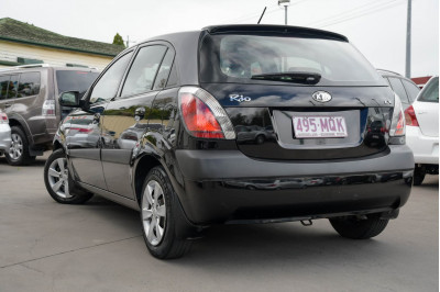 2009 Kia Rio JB LX Hatchback Image 4