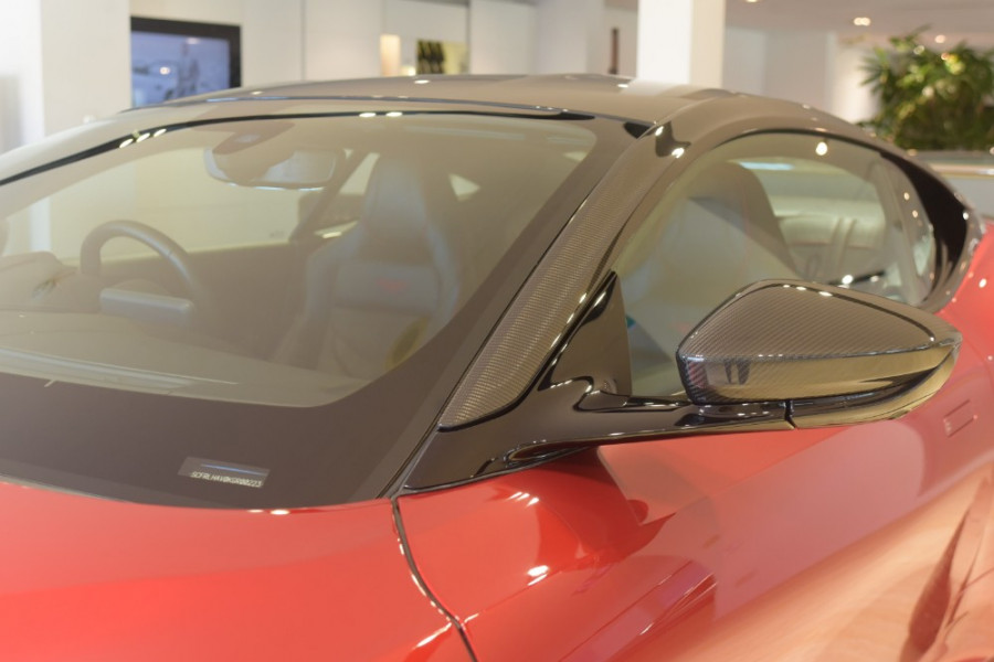 2018 MY19 Aston martin Dbs Superleggera Coupe Image 9