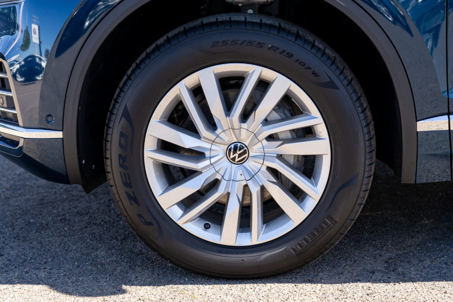 2021 Volkswagen Touareg CR 170TDI Suv Image 24