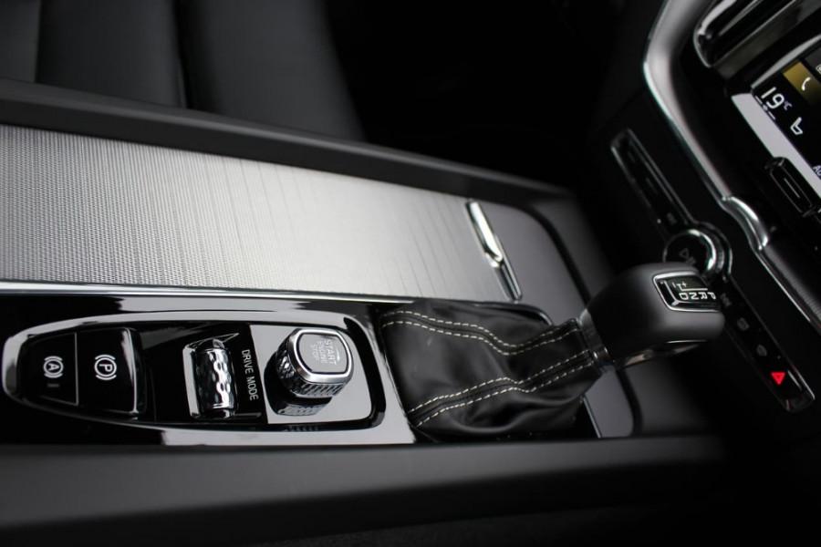 2020 Volvo XC60 UZ D5 R-Design Suv Image 18