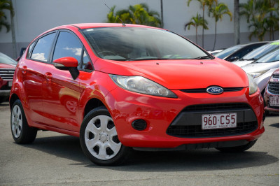 2011 Ford Fiesta WT CL Hatchback Image 2