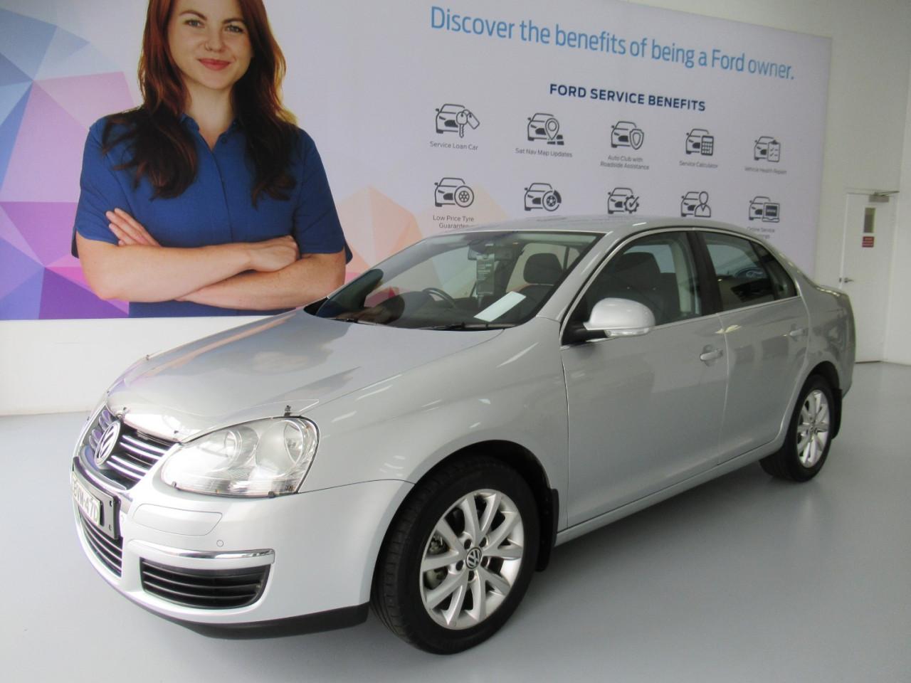 2010 Volkswagen Jetta 1KM MY10 103TDI Sedan Image 1