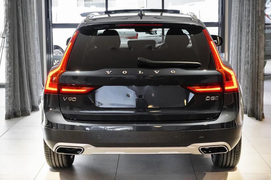 2018 Volvo V90 Cross Country D5 Inscription Wagon Mobile Image 3