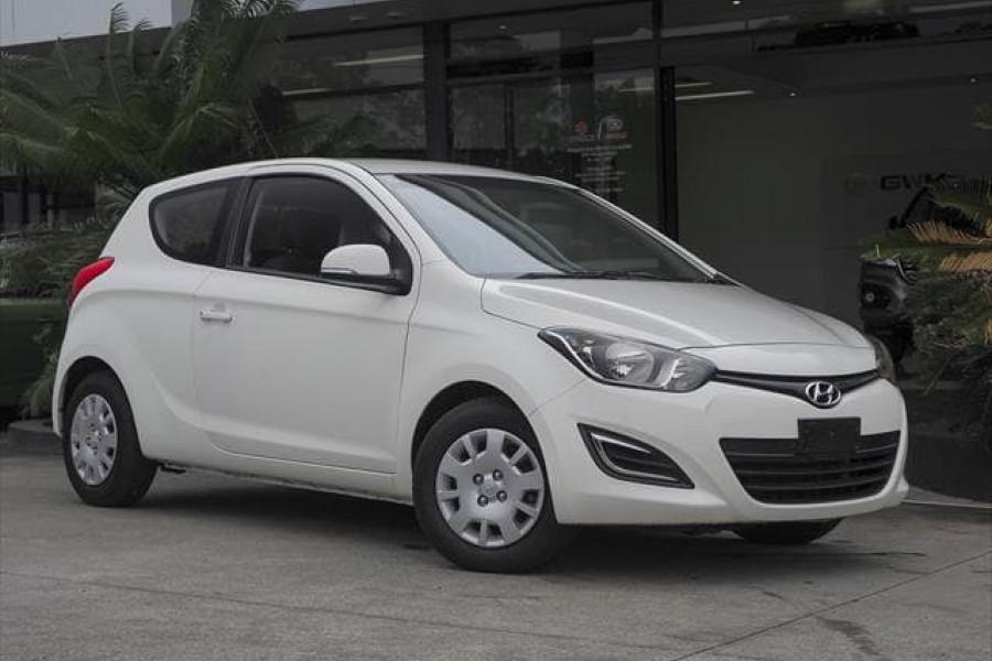 MY14 Hyundai i20 PB Image 1