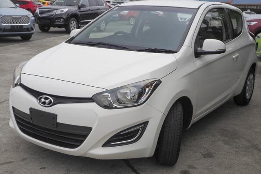 MY14 Hyundai i20 PB Image 7