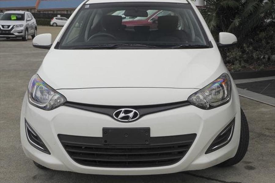 MY14 Hyundai i20 PB Image 8