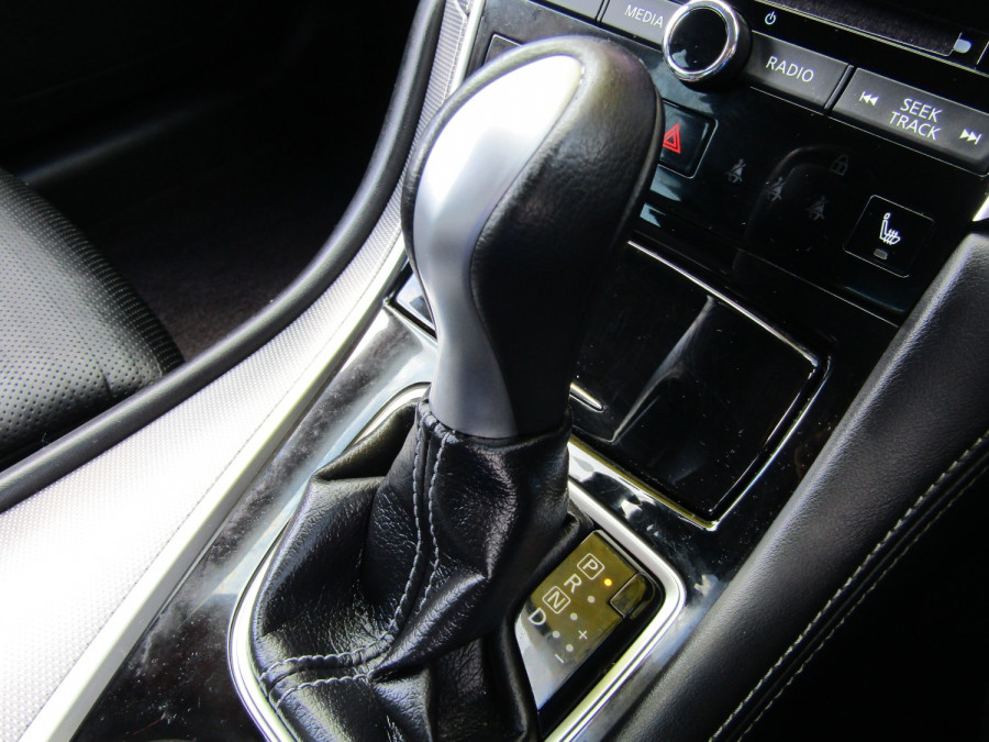 2014 Infiniti Q50 V37 S Premium Sedan Image 20