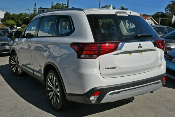 2018 MY19 Mitsubishi Outlander ZL MY19 ES 2WD Suv Image 4