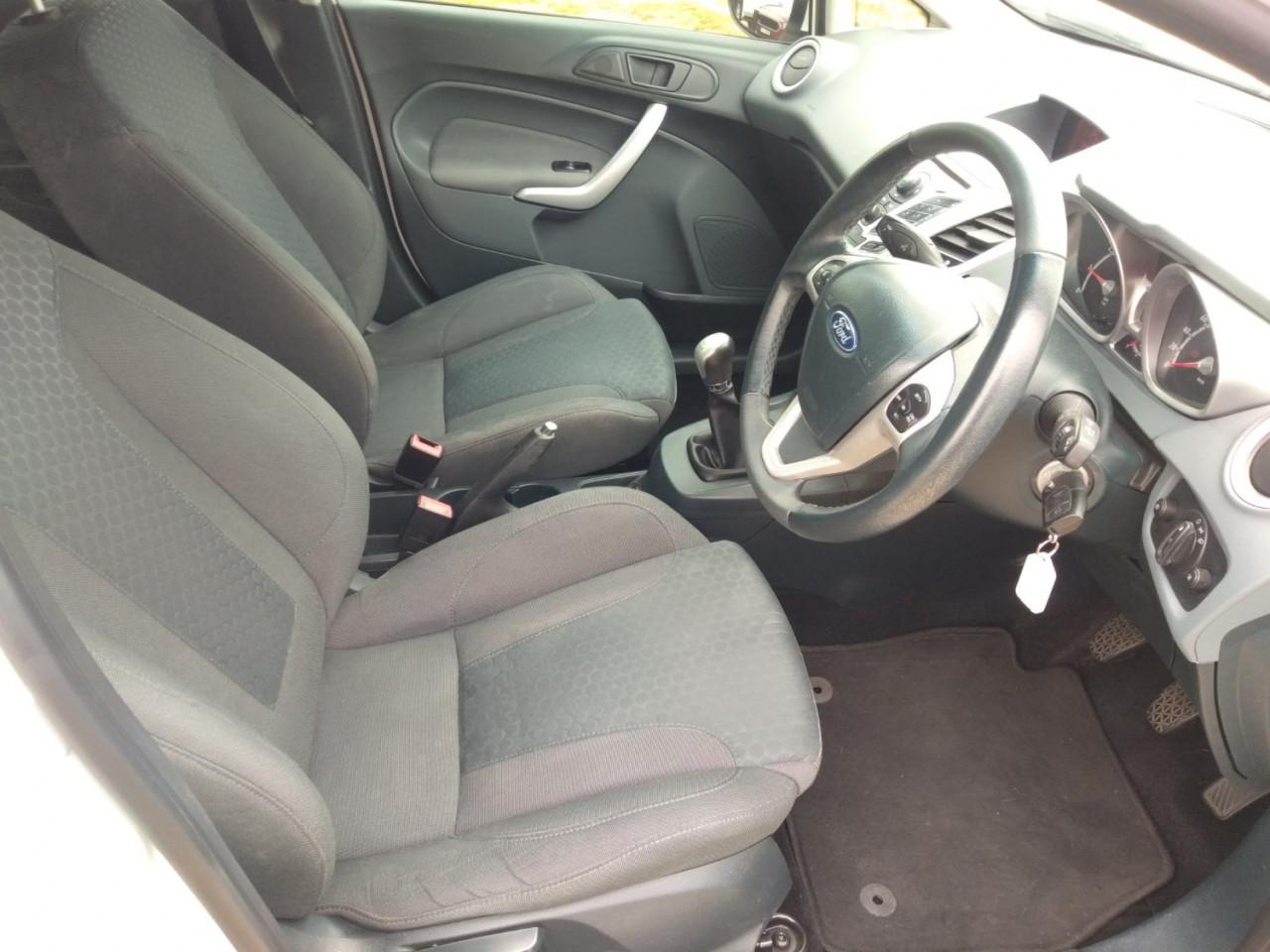 2012 Ford Fiesta WT LX Sedan Image 11