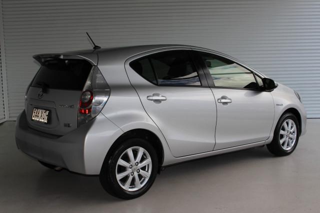 2012 Toyota Prius C NHP10R NHP10R Hatchback Image 2