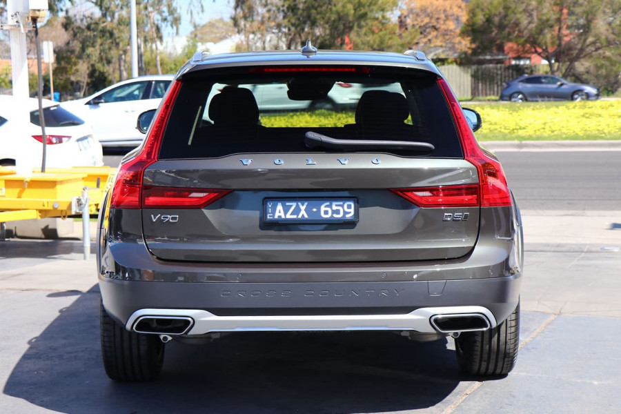 2019 Volvo V90 Cross Country D5 Wagon Mobile Image 9