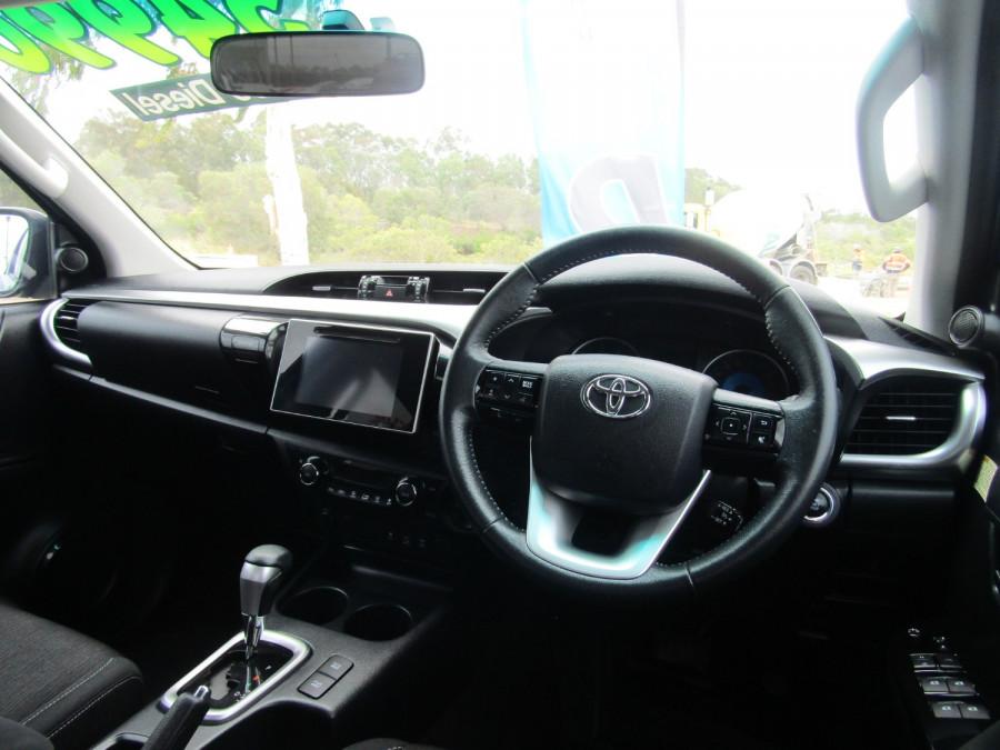 2017 Toyota HiLux GUN126R SR5 Utility Image 8