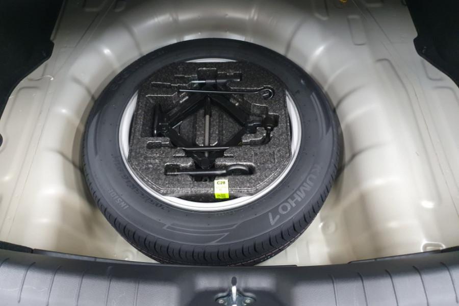 2019 Hyundai Elantra AD.2 Active Sedan Image 23