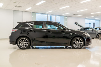 2016 Lexus Ct Hatchback Image 3