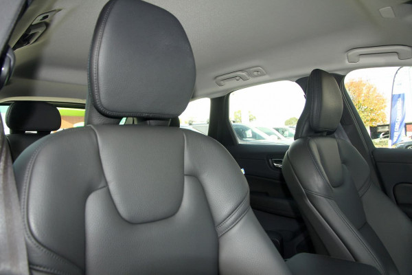 2019 Volvo XC60 (No Series) MY20 T5 Momentum Suv Image 5