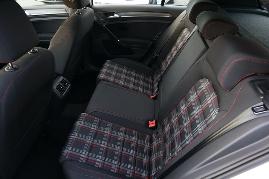 2020 Volkswagen Golf 7.5 GTI Hatchback Image 6