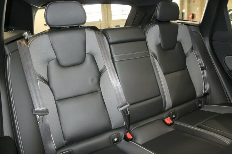 2019 MY20 Volvo XC60 UZ T6 R-Design Suv Mobile Image 9