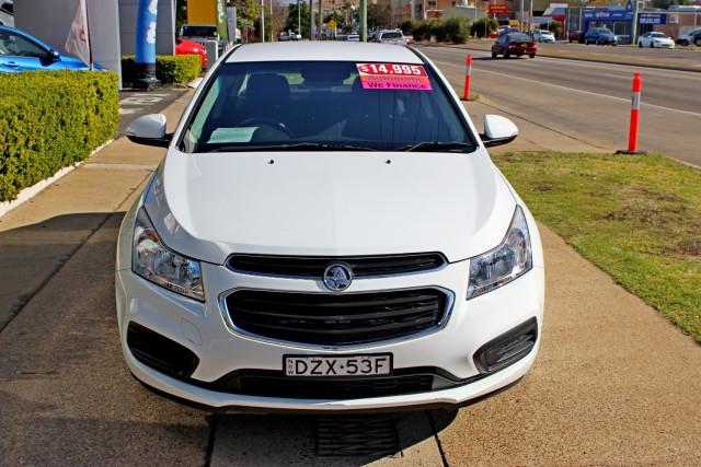 2015 MY16 Holden Cruze JH Series II  Equipe Sedan Image 3