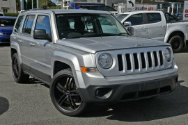 Jeep Patriot Sport CVT Auto Stick 4x2 MK MY2013