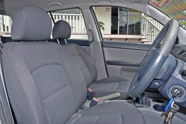 2004 Mazda 2 DY Series 1 Neo Hatchback Image 7