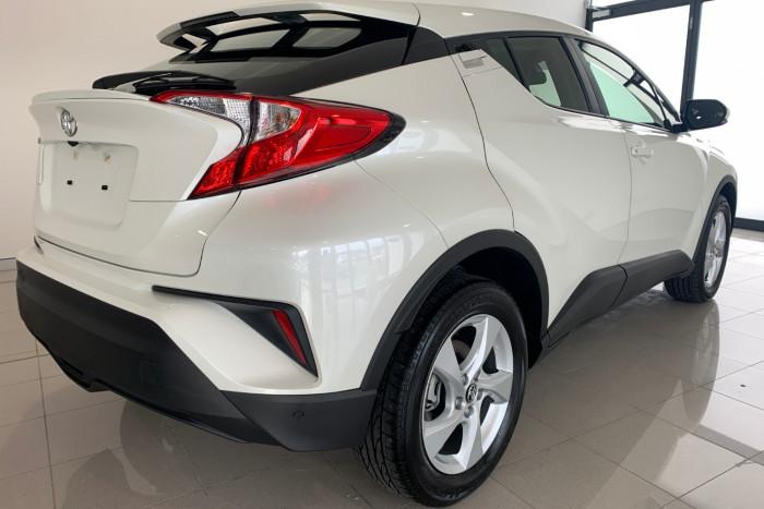 2019 Toyota C-hr NGX10R NGX10R Suv Image 10