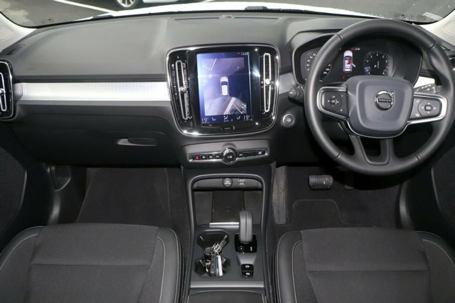 2019 Volvo XC40 Suv Image 6