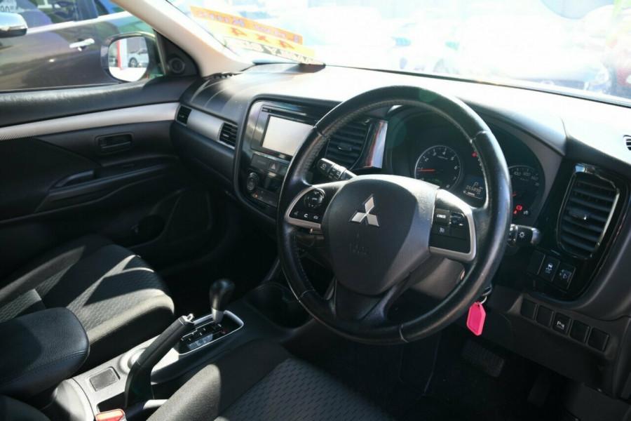 2013 MY14 Mitsubishi Outlander ZJ ES 4WD Suv