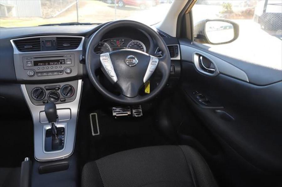 2014 Nissan Pulsar C12 ST Hatchback Image 13
