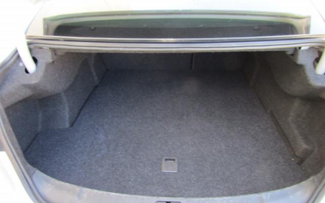 2013 Holden Malibu V300 CD Sedan Image 4