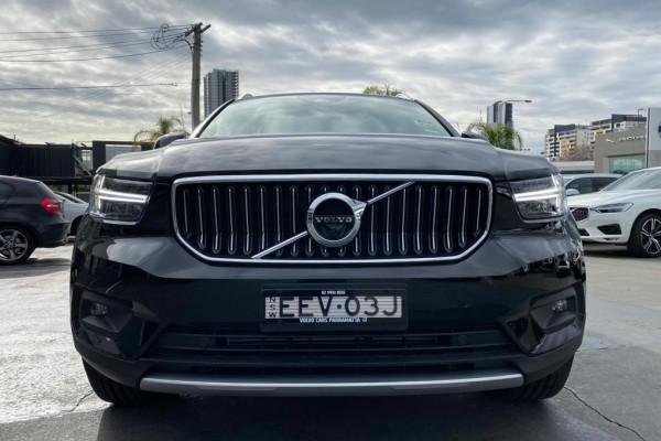 2020 Volvo XC40 XZ T4 Inscription Suv Image 4