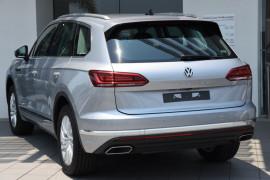 2019 MY20 Volkswagen Touareg 190TDI 3.0L 8Spd Auto Suv Image 3