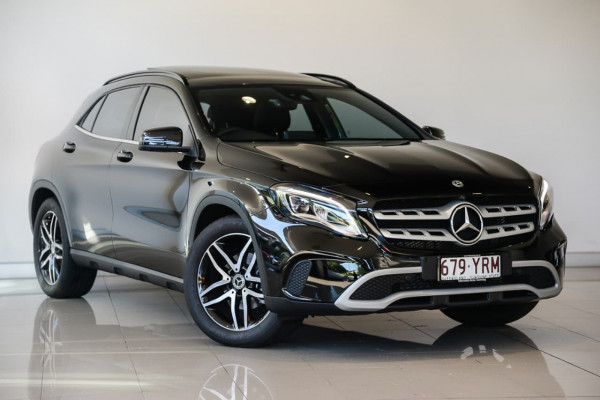 Mercedes-Benz Gla180 X156