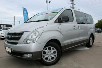 2009 Hyundai iMAX TQ-W Wagon Image 2