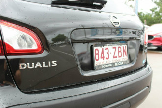 2012 Nissan Dualis J10W Series 3 MY12 Ti-L Hatch X-tronic 2WD Hatchback Image 4