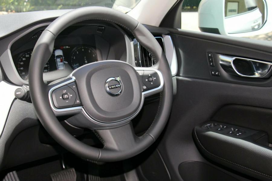 2019 MY20 Volvo XC60 UZ T5 Momentum Suv Mobile Image 6