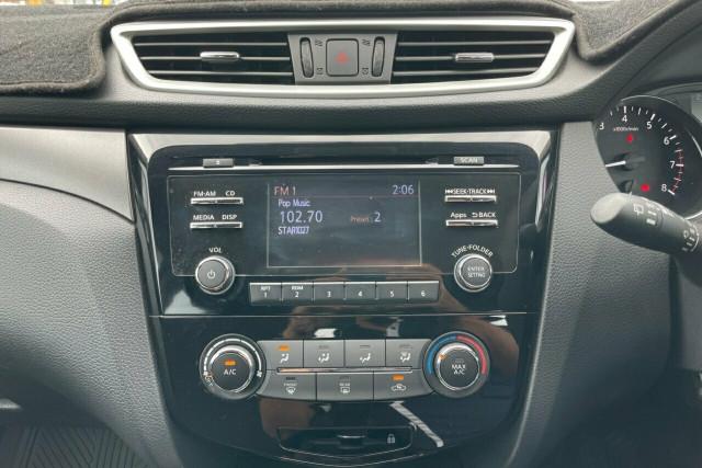 2016 Nissan Qashqai ST 15 of 20