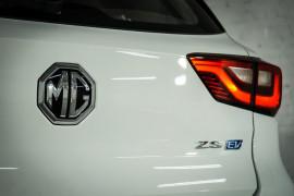 2020 MY21 MG ZS AZS1 Essence Suv image 31