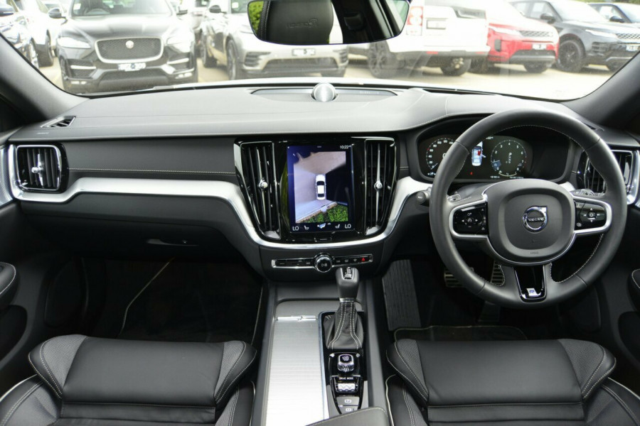 2019 Volvo S60 T5 R-DESIGN Sedan Image 6